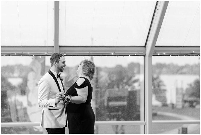 Chesapeake Norfolk Virginia Beach Wedding Husband and Wife Photographers_1135
