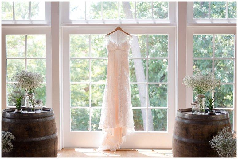 Beautiful Neutral Cream Wedding Womens Club of Portsmouth Virginia Wedding Photographers_1500