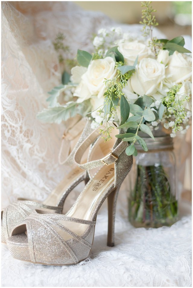 Beautiful Neutral Cream Wedding Womens Club of Portsmouth Virginia Wedding Photographers_1508