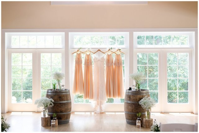 Beautiful Neutral Cream Wedding Womens Club of Portsmouth Virginia Wedding Photographers_1514