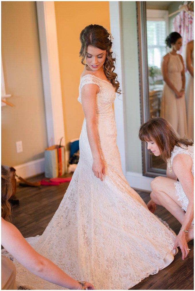 Beautiful Neutral Cream Wedding Womens Club of Portsmouth Virginia Wedding Photographers_1527