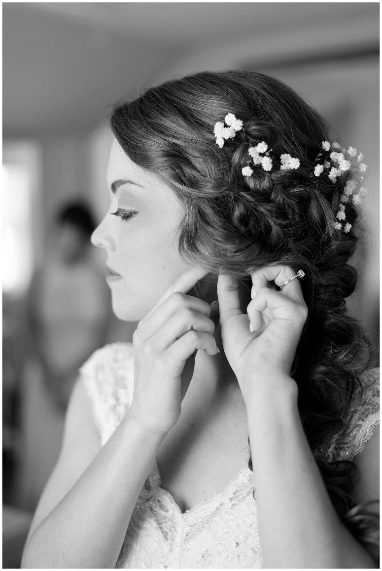 Beautiful Neutral Cream Wedding Womens Club of Portsmouth Virginia Wedding Photographers_1532