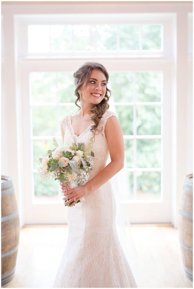 Beautiful Neutral Cream Wedding Womens Club of Portsmouth Virginia Wedding Photographers_1548