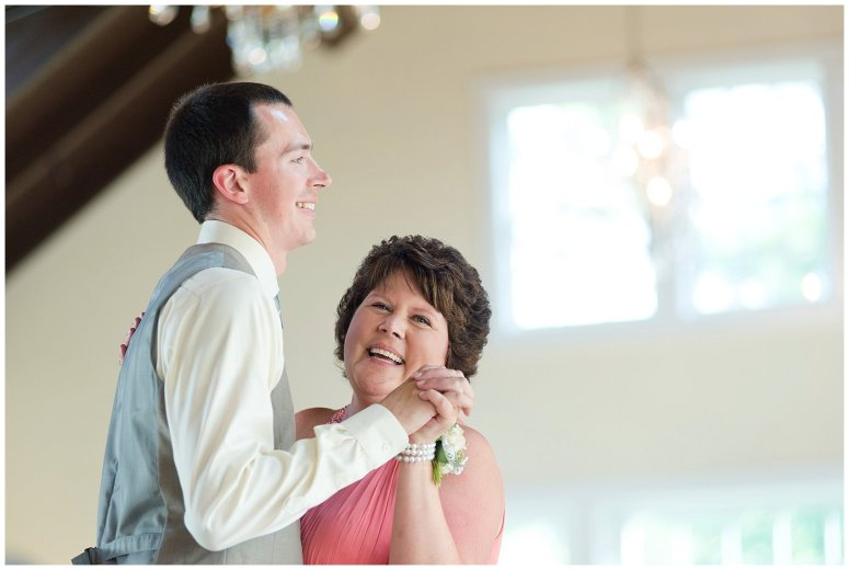 Beautiful Neutral Cream Wedding Womens Club of Portsmouth Virginia Wedding Photographers_1622