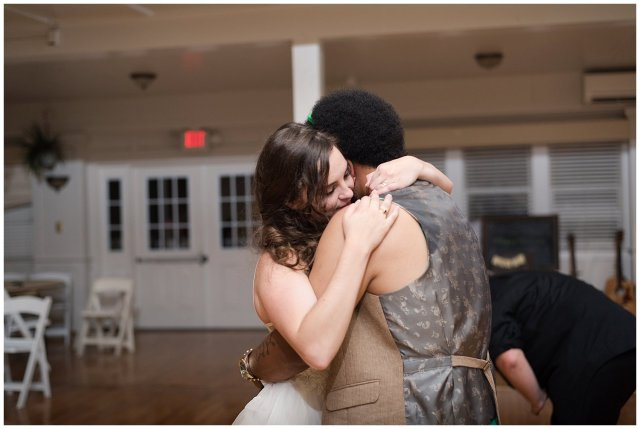 planters-club-suffolk-summer-kelly-green-wedding-virginia-wedding-photographers_3300