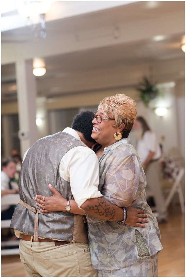 Planters Club Suffolk Summer Wedding Virginia Wedding Photographers_2163