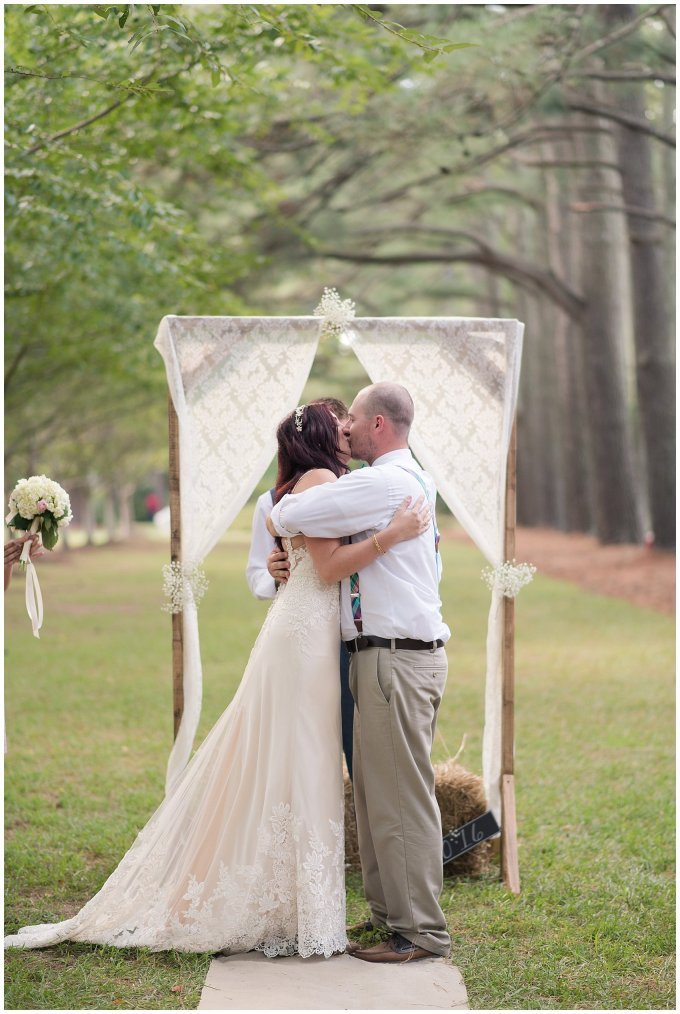 virginia-beach-outdoor-hunt-club-farm-red-wing-park-wedding-photographers_2357