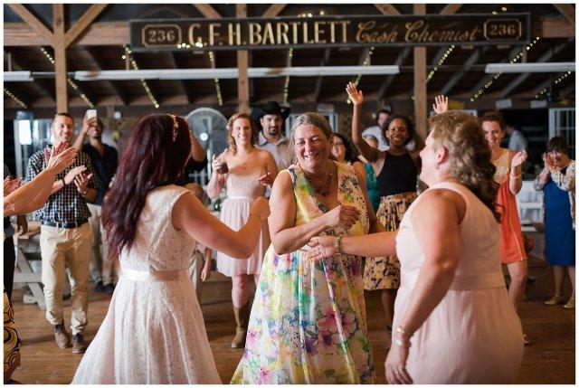 virginia-beach-outdoor-hunt-club-farm-red-wing-park-wedding-photographers_2437