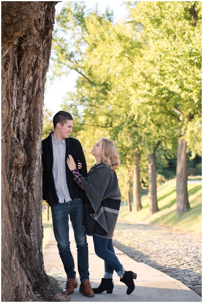 downtown-richmond-libby-hill-park-engagement-session-building-virginia-wedding-photographers_2664