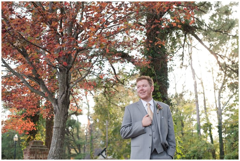 autumn-november-red-burgundy-wine-smithfield-center-wedding-virginia-wedding-photographers_3088