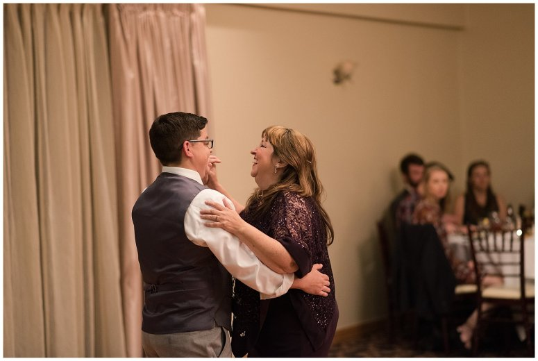 autumn-october-purple-greenbrier-country-club-wedding-virginia-wedding-photographers_2982