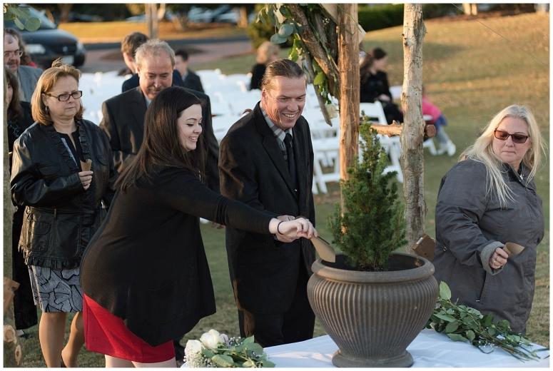 cedar-pointe-country-club-golf-course-outdoor-ceremony-virginia-wedding-photographers_3380