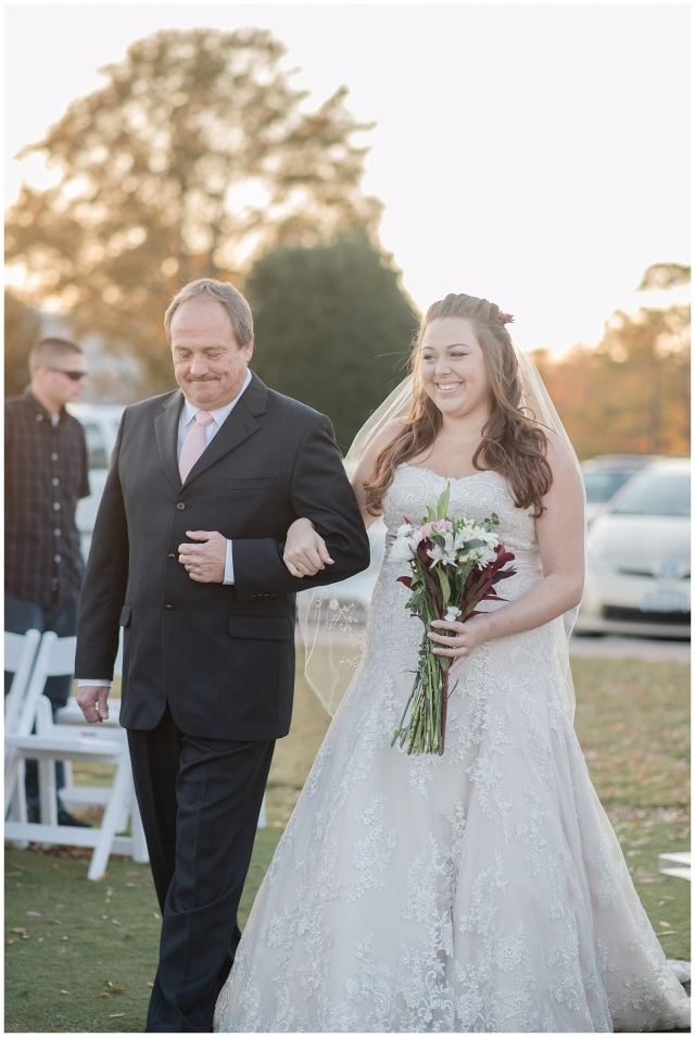 cedar-pointe-country-club-golf-course-outdoor-ceremony-virginia-wedding-photographers_3391