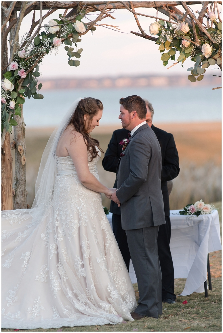 cedar-pointe-country-club-golf-course-outdoor-ceremony-virginia-wedding-photographers_3401