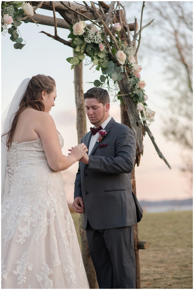 cedar-pointe-country-club-golf-course-outdoor-ceremony-virginia-wedding-photographers_3415