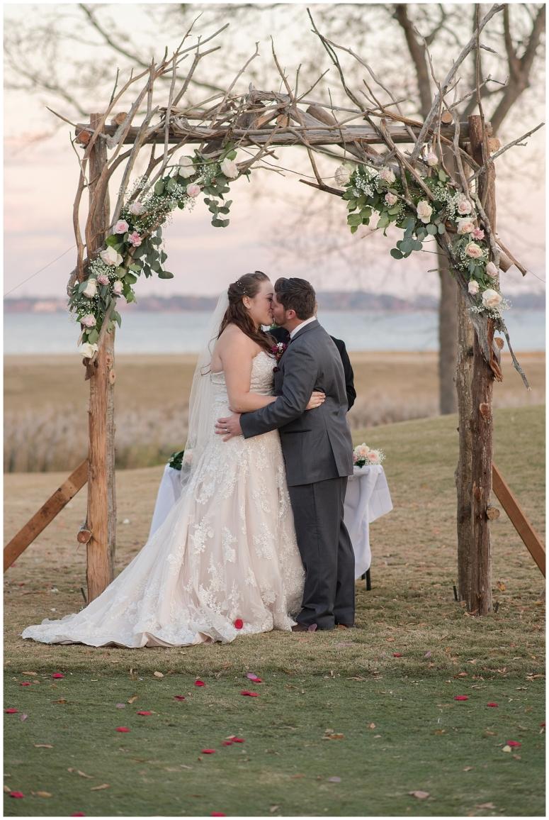 cedar-pointe-country-club-golf-course-outdoor-ceremony-virginia-wedding-photographers_3419