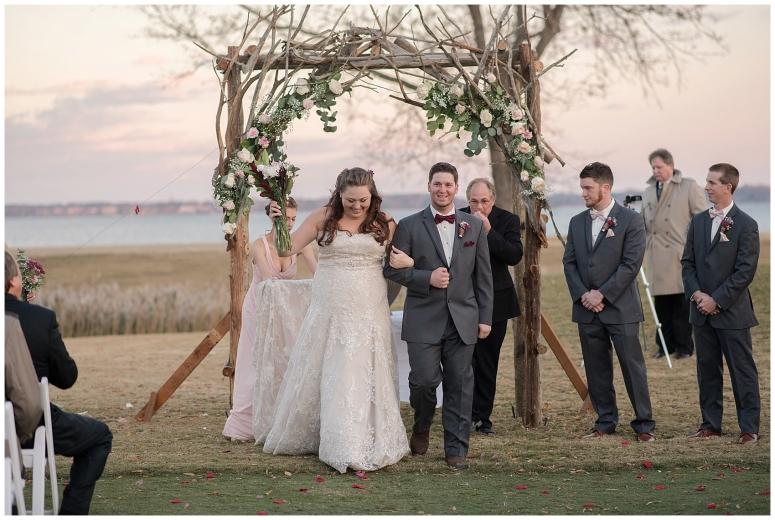 cedar-pointe-country-club-golf-course-outdoor-ceremony-virginia-wedding-photographers_3422
