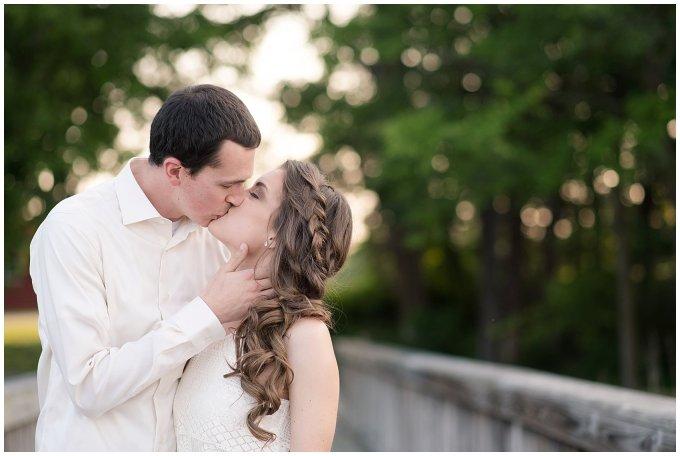 virginia-north-carolina-engagement-wedding-photographers-hampton-roads-virginia-engagement-photos-husband-and-wife-team_3688