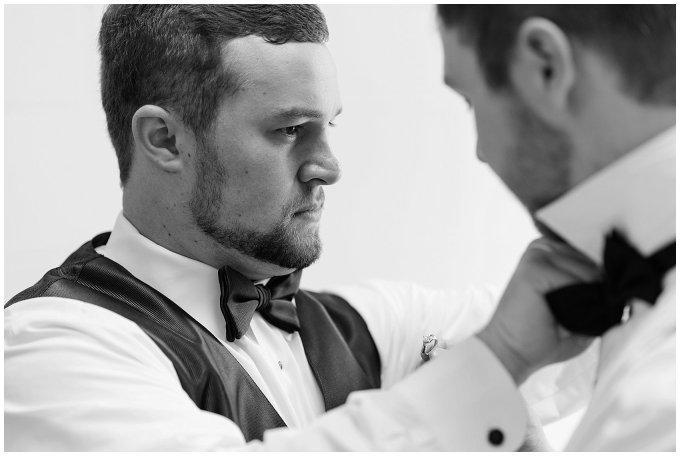 virginia-north-carolina-wedding-photographers-hampton-roads-virginia-engagement-photos-husband-and-wife-team-best-of-2016-getting-ready_3810