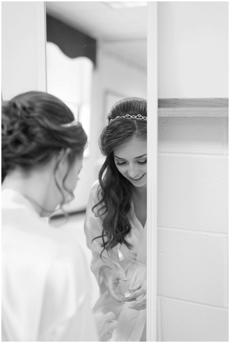 virginia-north-carolina-wedding-photographers-hampton-roads-virginia-engagement-photos-husband-and-wife-team-best-of-2016-getting-ready_3811