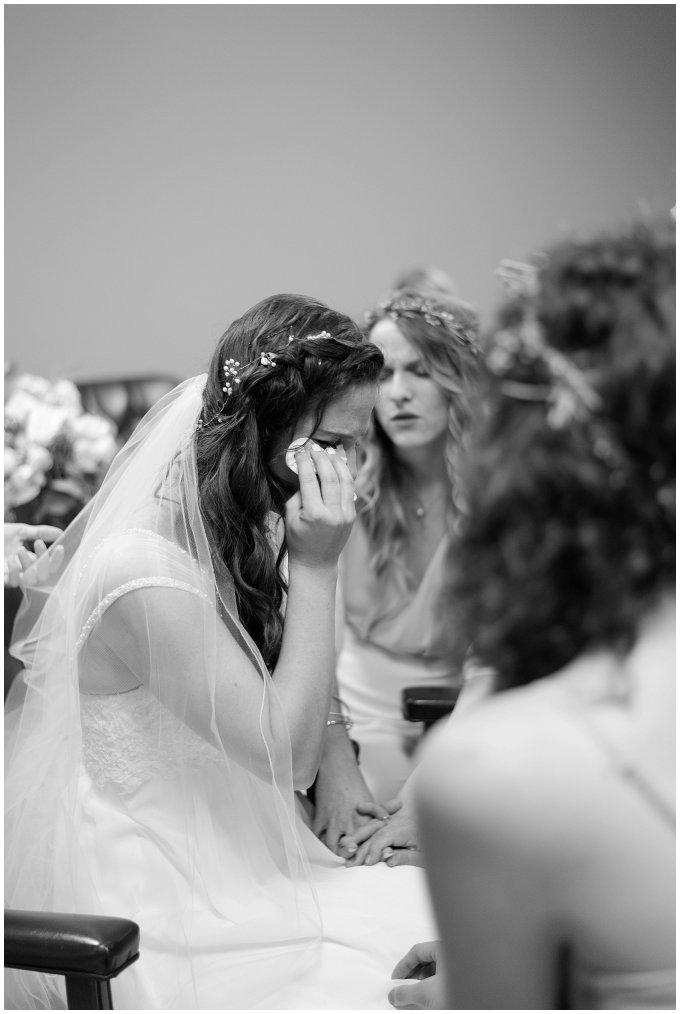 virginia-north-carolina-wedding-photographers-hampton-roads-virginia-engagement-photos-husband-and-wife-team-best-of-2016-getting-ready_3819