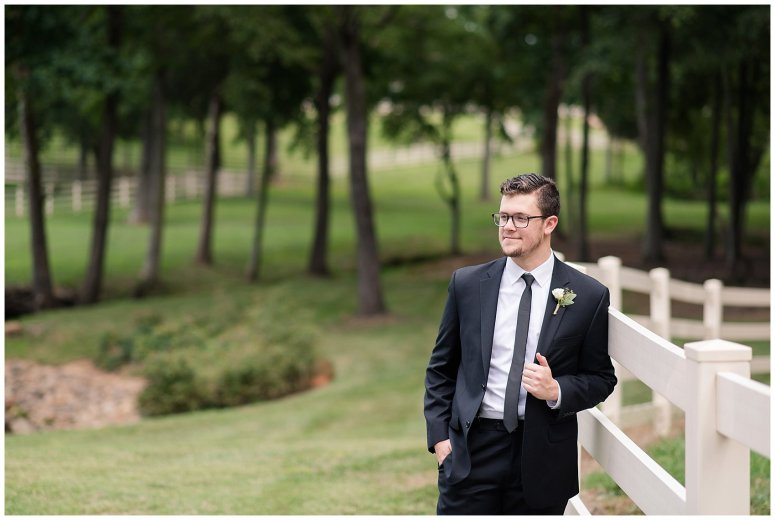 virginia-north-carolina-wedding-photographers-husband-and-wife-team-best-of-2016-bride-groom-portraits_3892