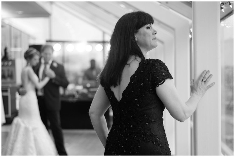 virginia-north-carolina-wedding-photographers-husband-and-wife-team-reception-fun_4016