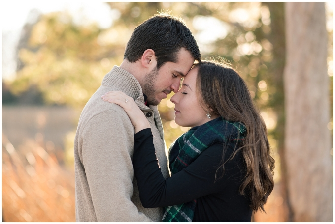 windsor-castle-park-winter-engagement-session-couple-poses-rowlands-photography-virginia-weddings_3528