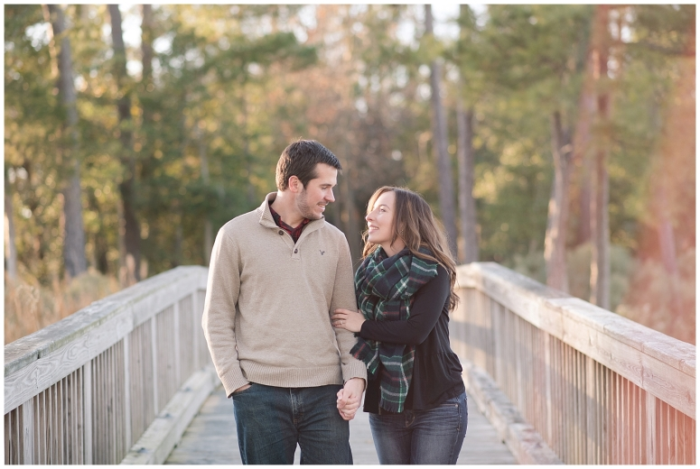 windsor-castle-park-winter-engagement-session-couple-poses-rowlands-photography-virginia-weddings_3544