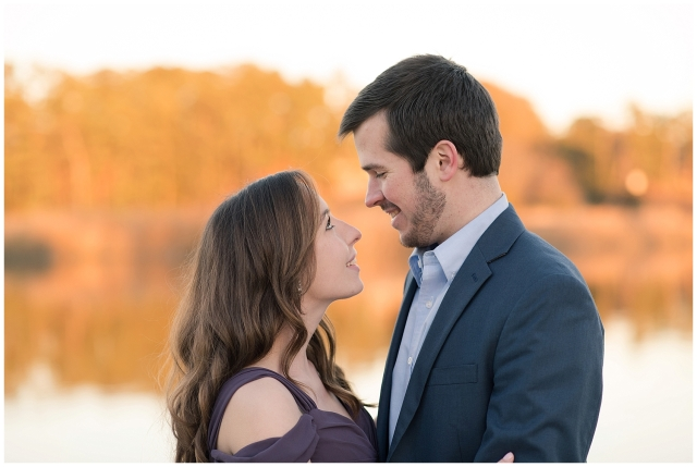 windsor-castle-park-winter-engagement-session-couple-poses-rowlands-photography-virginia-weddings_3583