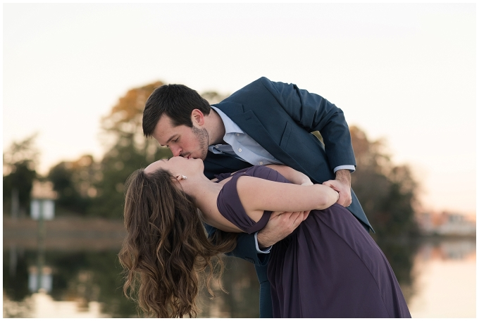 windsor-castle-park-winter-engagement-session-couple-poses-rowlands-photography-virginia-weddings_3592