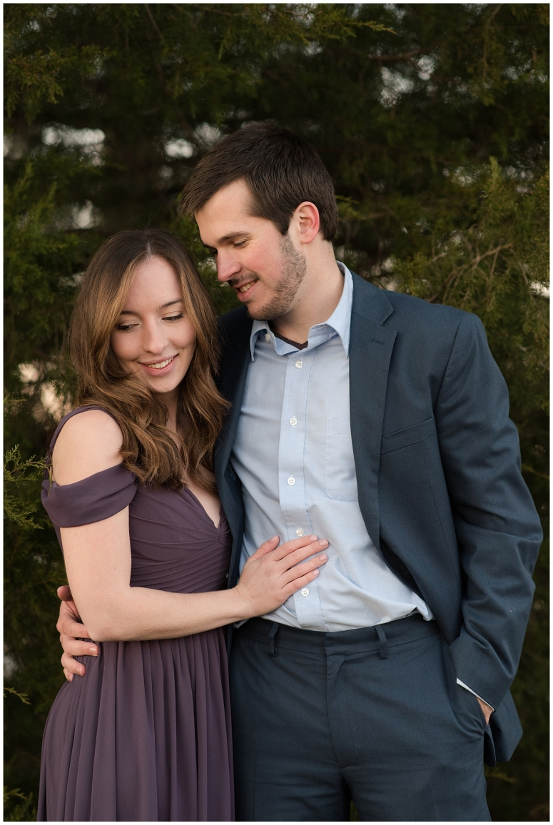 windsor-castle-park-winter-engagement-session-couple-poses-rowlands-photography-virginia-weddings_3608