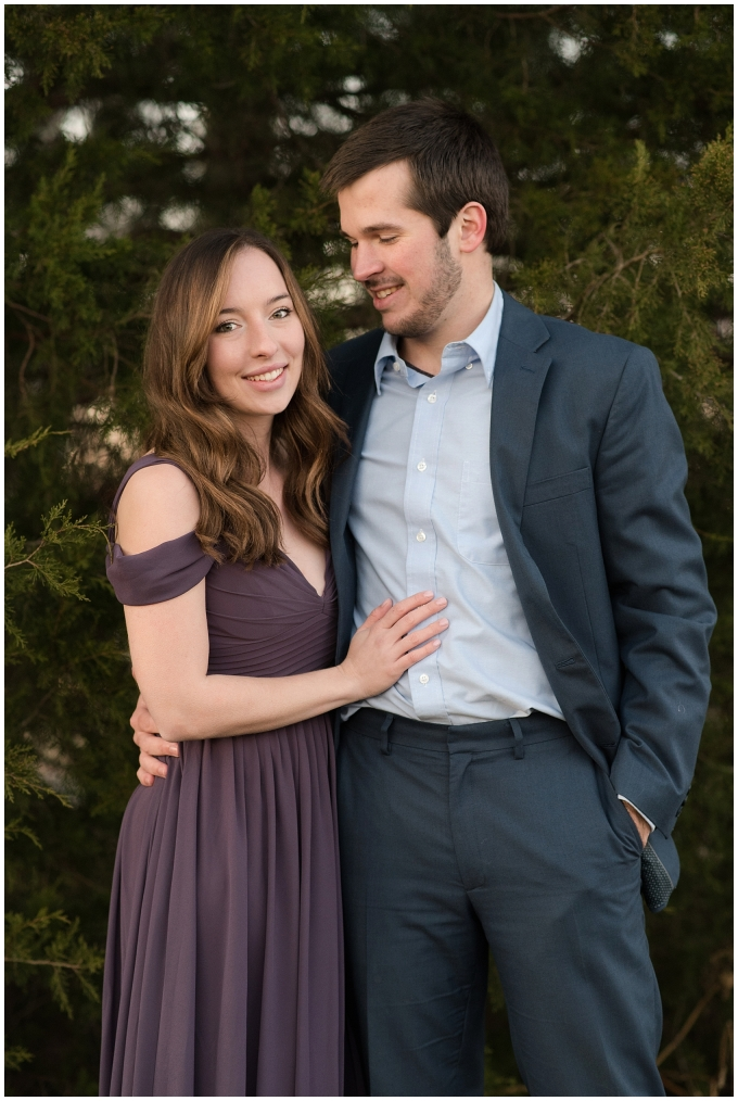 windsor-castle-park-winter-engagement-session-couple-poses-rowlands-photography-virginia-weddings_3609