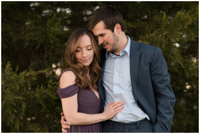 windsor-castle-park-winter-engagement-session-couple-poses-rowlands-photography-virginia-weddings_3610