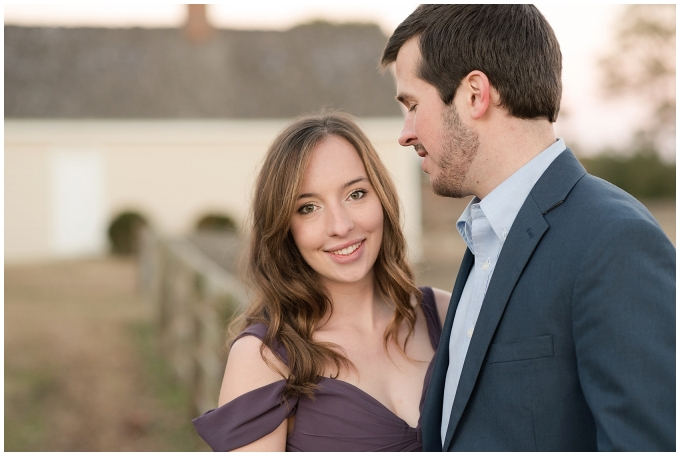 windsor-castle-park-winter-engagement-session-couple-poses-rowlands-photography-virginia-weddings_3611