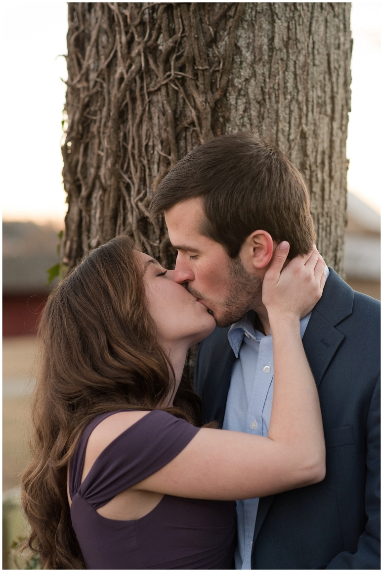windsor-castle-park-winter-engagement-session-couple-poses-rowlands-photography-virginia-weddings_3614