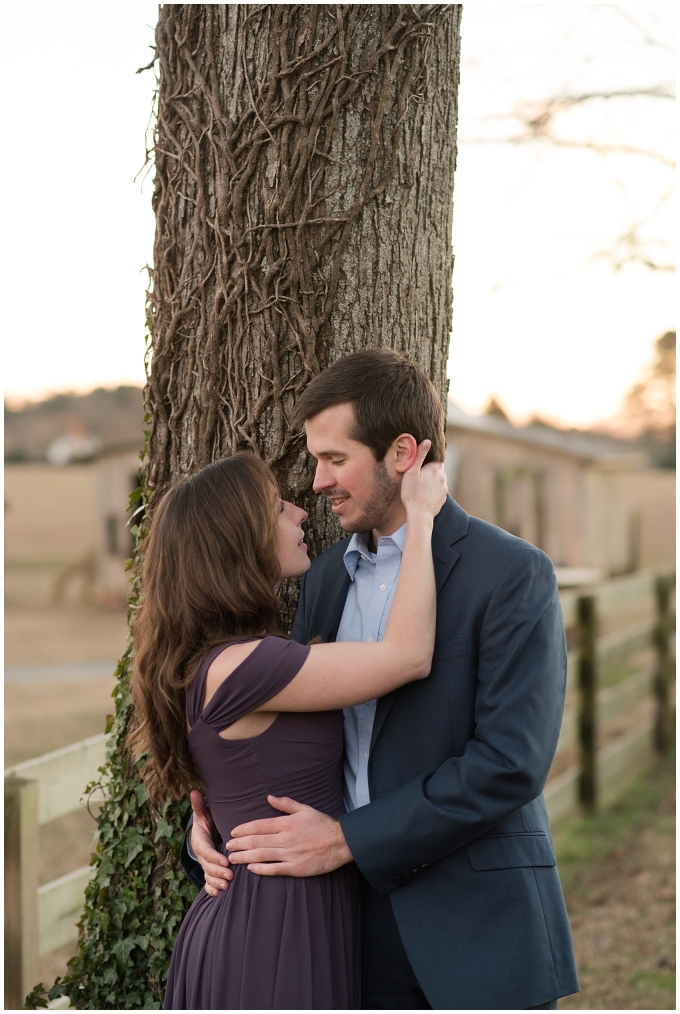 windsor-castle-park-winter-engagement-session-couple-poses-rowlands-photography-virginia-weddings_3616