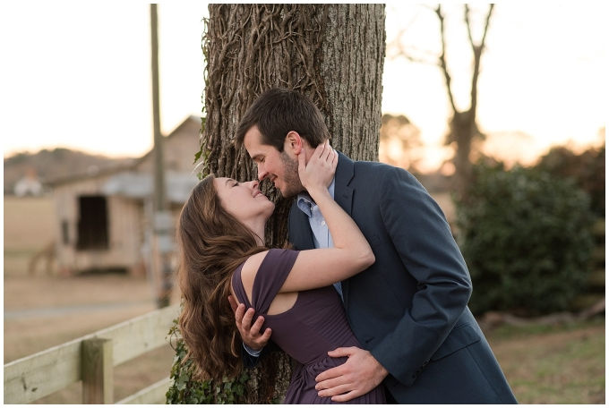 windsor-castle-park-winter-engagement-session-couple-poses-rowlands-photography-virginia-weddings_3617