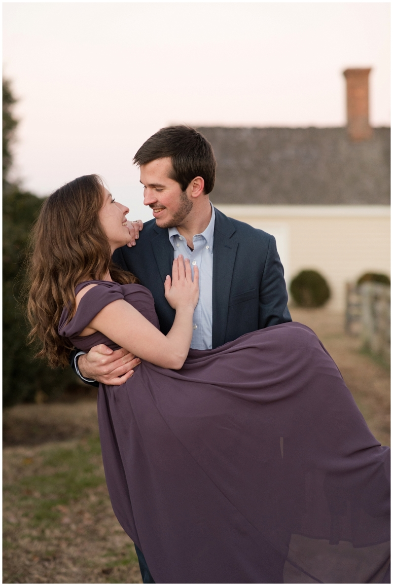windsor-castle-park-winter-engagement-session-couple-poses-rowlands-photography-virginia-weddings_3628
