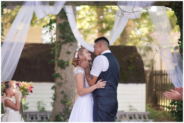 Intimate Simple Beautiful Backyard Virginia Beach Wedding Photographers_5704