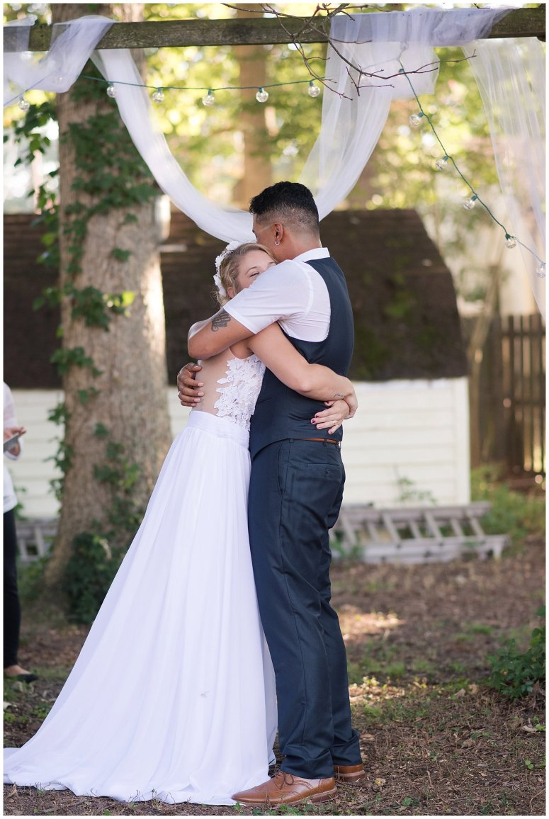 Intimate Simple Beautiful Backyard Virginia Beach Wedding Photographers_5707
