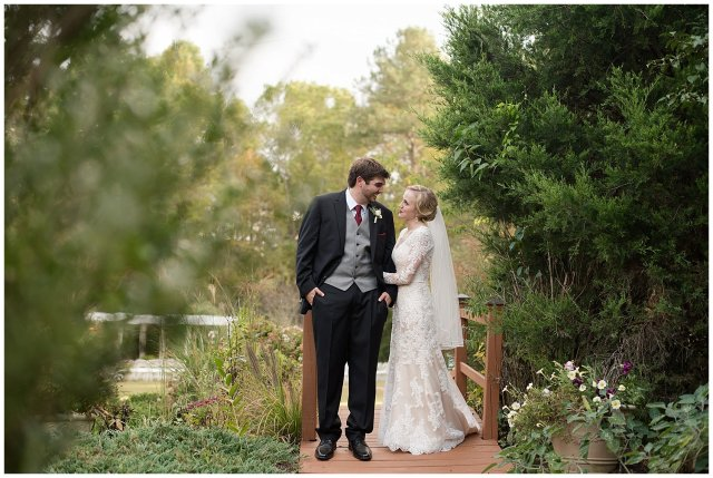 Red Wine Moss Green Fall Autumn Wedding Historic Jasmine Plantation Providence Forge Virginia Wedding Photographers_6590