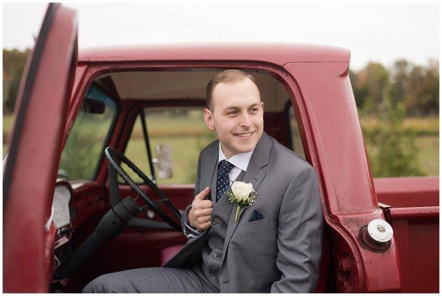 Navy Blue Blue Ridge Mountain Wedding Faithbrooke Farm Vineyard Luray Virginia Wedding Photographers_7191