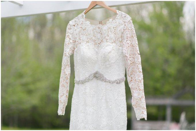 Intimate-Rustic-Backyard-Chesapeake-Virginia-Wedding_0598