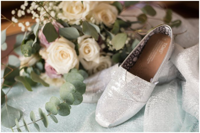 Intimate-Rustic-Backyard-Chesapeake-Virginia-Wedding_0601