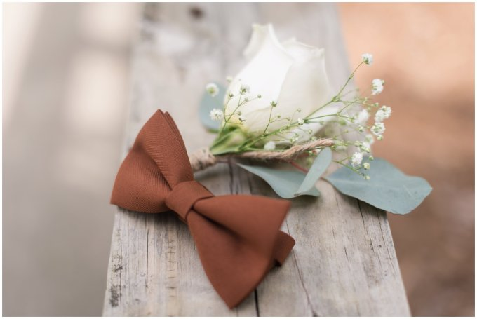 Intimate-Rustic-Backyard-Chesapeake-Virginia-Wedding_0616