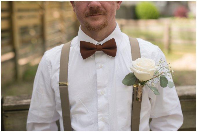 Intimate-Rustic-Backyard-Chesapeake-Virginia-Wedding_0636