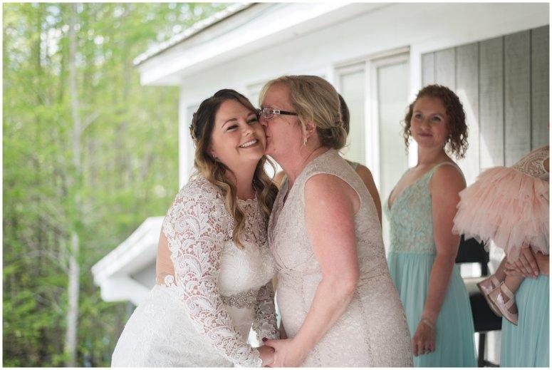 Intimate-Rustic-Backyard-Chesapeake-Virginia-Wedding_0646