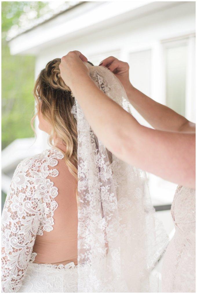 Intimate-Rustic-Backyard-Chesapeake-Virginia-Wedding_0650