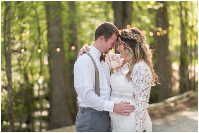 Intimate-Rustic-Backyard-Chesapeake-Virginia-Wedding_0700